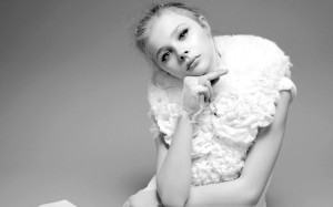 Chloe Moretz WallpaperS background